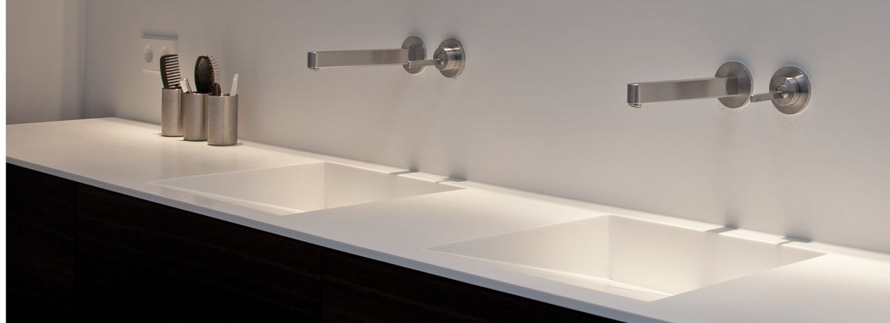 B Dutch badkamer solid surface - B Dutch