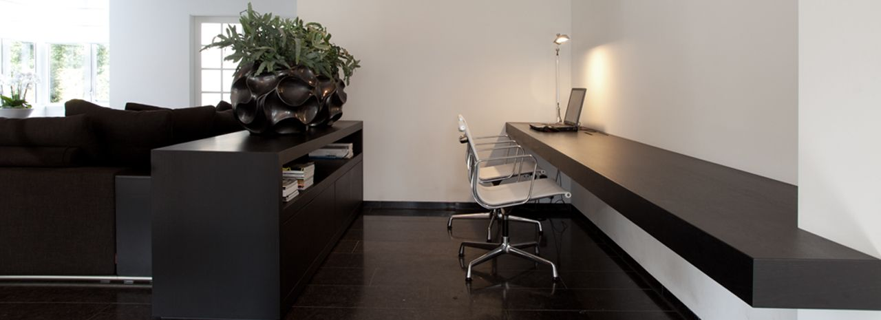 Werkkamers en studeerkamers. Interieurontwerp en/of interieurbouw.