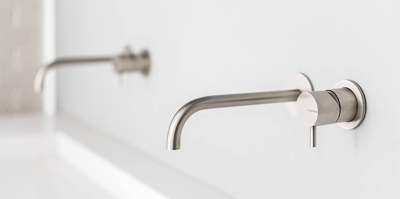 De RVS-kranen collectie van B Dutch kent vele soorten kranen. Allemaal design RVS kranen. Voor de badkamer, keuken en het toilet.