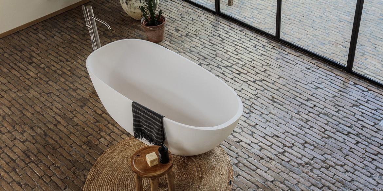 Ligbad Evolution 1700 mm. Ligbaden van B Dutch. Dutch design ligbaden, badkuipen, losstaand baden, bad vrijstaand, vrijstaand ligbad en losstaande baden. Vervaardigd van topkwaliteit Solid Surface Corian, verkleurt niet. Ook op maat te maken.