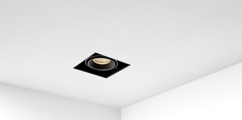 https://www.bdutch.nl/wp-content/uploads/2018/06/Trimless-spots-inbouwspots-led-badkamerverlichting-badkamer-keuken-spot-zwart-wit-B-DUTCH-BD-Square-SB_138-1.k.jpg