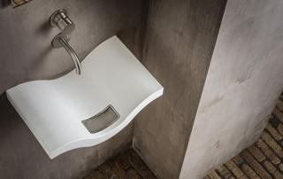 Wasbak Toilet Klein : Betonnen fonteintje toilet hoe deze fontein monteren in toilet