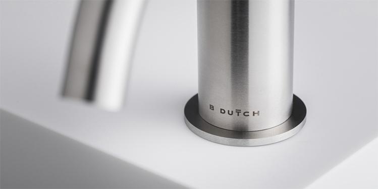 Design kranen van RVS. De B Dutch RVS kranen collectie kent vele opties. Topkwaliteit geslepen RVS kranen voor badkamers, keukens en het toilet.