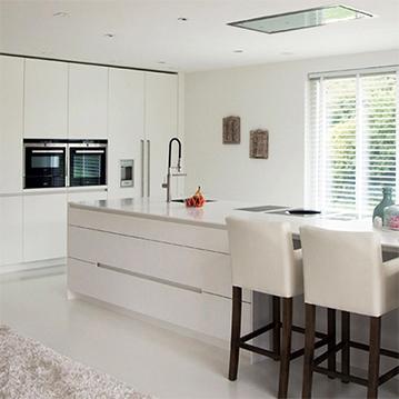 Een nieuwe keuken kopen? B Dutch maakt luxe keukens, design keukens, in haar fabriek in Cuijk. Een keuken op maat laten maken of keuken inspiratie opdoen voor een moderne keuken kan bij B Dutch.