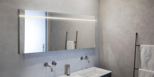 Badkamer spiegels met verlichting. LED. B Dutch programma moderne design badkamerspiegels voor op de badkamer met verlichting.