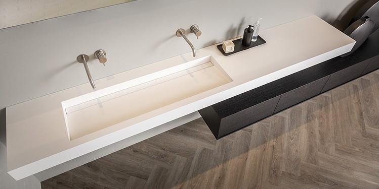 Corian, Hi-Macs, dubbele wastafel van B DUTCH. Bekijk de corian mogelijkheden op de website van B DUTCH. Luxe badkamers en keukens.