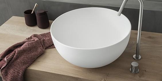 Grote ronde waskom, B-Solid topkwaliteit waskom. Uitstraling als Solid Surface Corian. Een grote en hoge waskom van 45 cm doorsnede.