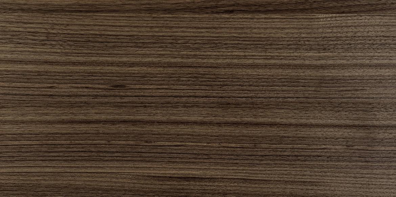 Walnoten hout geolied Pure. De meubelen van B DUTCH, zoals de badmeubelen, kasten e.d. kunnen worden gemaakt van diverse houtsoorten.