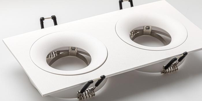 Dubbele inbouwspots mat wit LED inbouwspots, twee naast elkaar. Rechthoekige inbouw spots. B DUTCH The Essential LED spots collectie. Diverse maten, mat zwarte spots, mat witte spots en geborsteld aluminium LED spots voor GU10, MR16 en Philips Hue GU10 lichtbronnen.