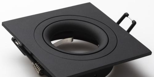 Spotjes, inbouwspots vierkant 92mm mat zwart, LED, verstelbaar, kantelbaar, uit de B DUTCH The Essentials plafondspots collectie. Diverse maten, mat zwarte spots, mat witte spots en geborsteld aluminium LED spots voor GU10, MR16 en Philips Hue GU10 lichtbronnen.
