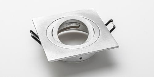 Spotjes, inbouwspots vierkant 92mm aluminium LED, verstelbaar, kantelbaar, uit de B DUTCH The Essentials plafondspots collectie. Diverse maten, mat zwarte spots, mat witte spots en geborsteld aluminium LED spots voor GU10, MR16 en Philips Hue GU10 lichtbronnen.