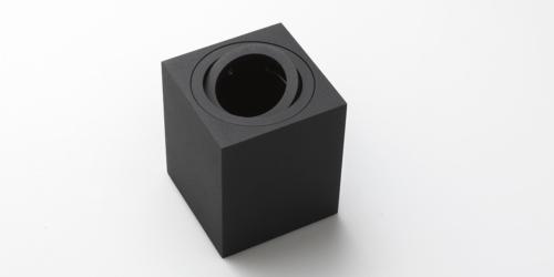 Opbouwspots, mat zwart of mat wit. B DUTCH collectie The Essentials opbouwspots. Plafondspots voor moderne inrichting. Strak design spots.