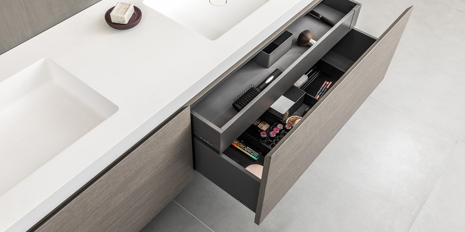 Kastindeling badkamermeubel, wastafel kast B DUTCH. Design badmeubelen. Diverse materialen, ook maatwerk en volledig van Solid Surface Corian badmeubel.