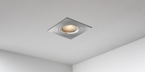 Spotjes, inbouwspots vierkant 79mm aluminium LED, uit de B DUTCH The Essentials plafondspots collectie. Diverse maten, mat zwarte spots, mat witte spots en geborsteld aluminium LED spots voor GU10, MR16 en Philips Hue GU10 lichtbronnen.