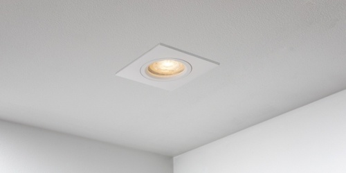 Spotjes, inbouwspots vierkant 79mm mat wit LED, uit de B DUTCH The Essentials plafondspots collectie. Diverse maten, mat zwarte spots, mat witte spots en geborsteld aluminium LED spots voor GU10, MR16 en Philips Hue GU10 lichtbronnen.