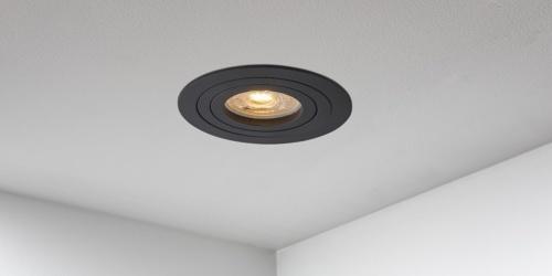 Spotjes, inbouwspots rond 92mm mat zwart LED, verstelbaar, kantelbaar, uit de B DUTCH The Essentials plafondspots collectie. Diverse maten, mat zwarte spots, mat witte spots en geborsteld aluminium LED spots voor GU10, MR16 en Philips Hue GU10 lichtbronnen.