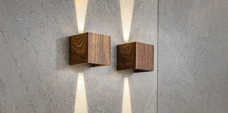 B DUTCH wandspot UPDOWN, moderne muurspot in een houten motief